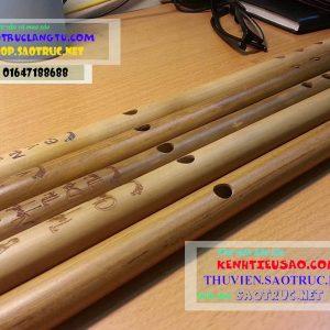sáo nứa Bắc khắc chữ và hoa văn